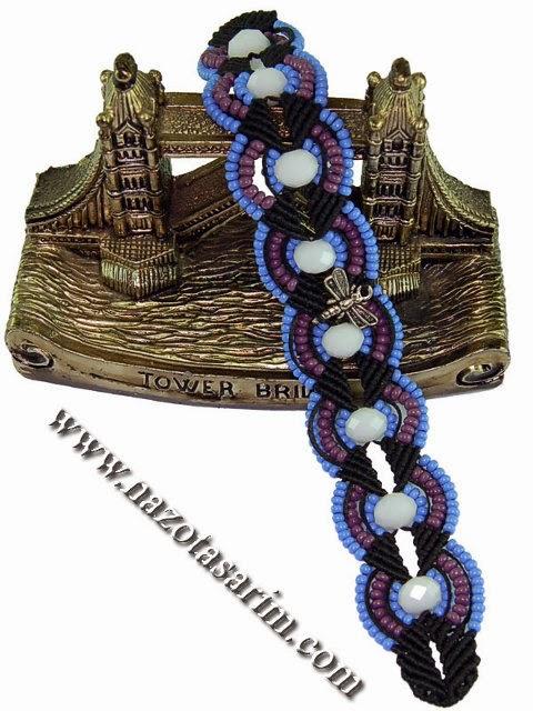 Macrame bracelet with beads