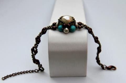 Beadweaving Bracelet of Turquoise and Pearl