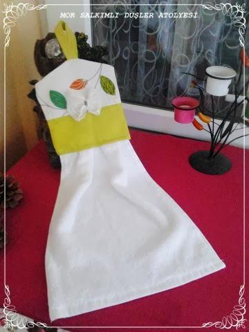 Kitchen Towels And Trivet