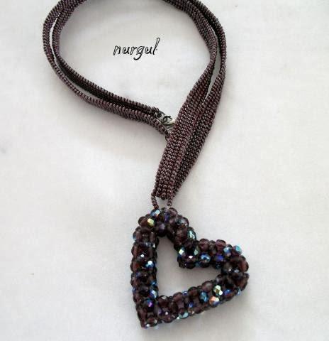 Kalpli kolye